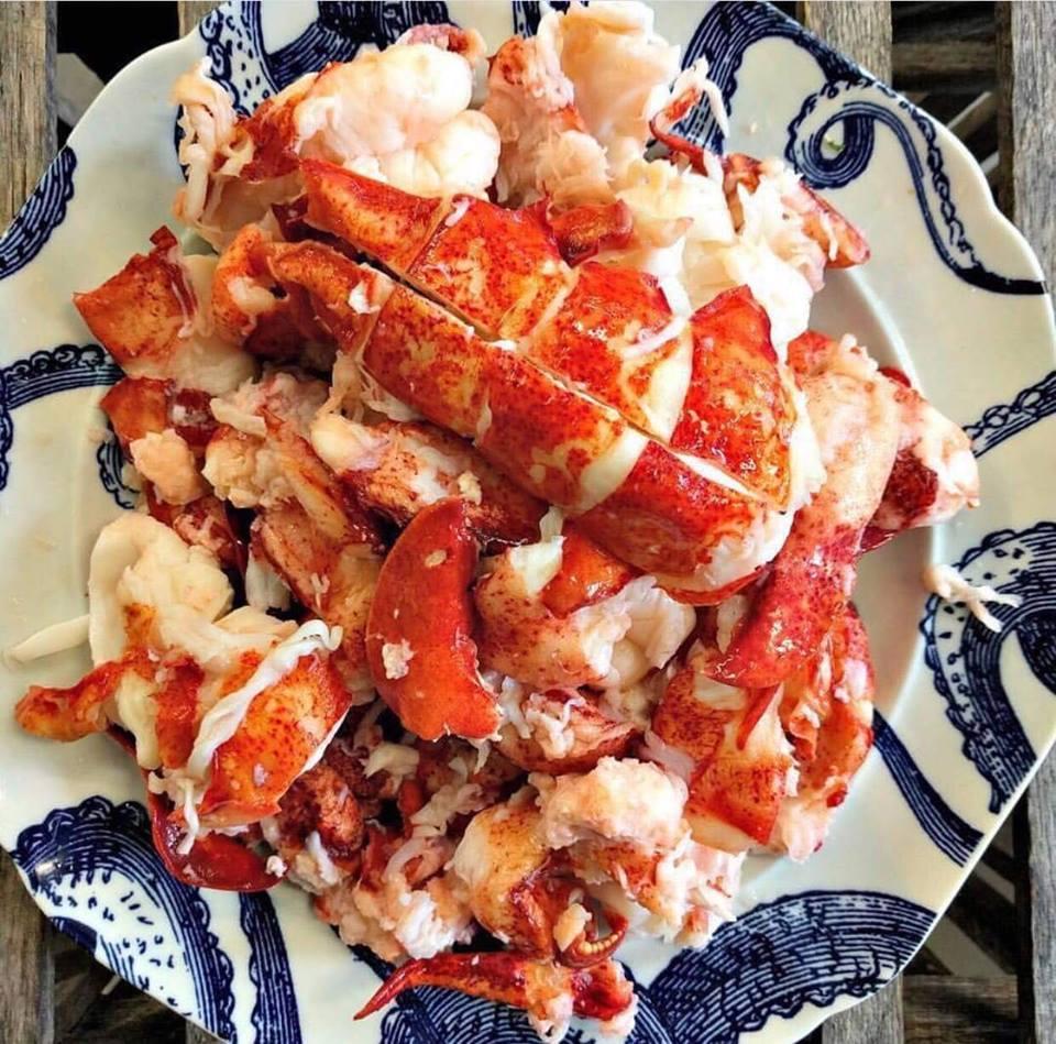 Thịt tôm hùm Canada tại Hải Sản Hoàng Long