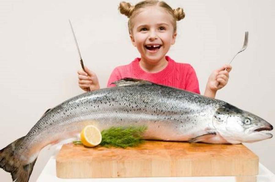 Cá biển là thực phẩm tuyệt vời đối với sức khỏe do chứa đạm, omega-3,..