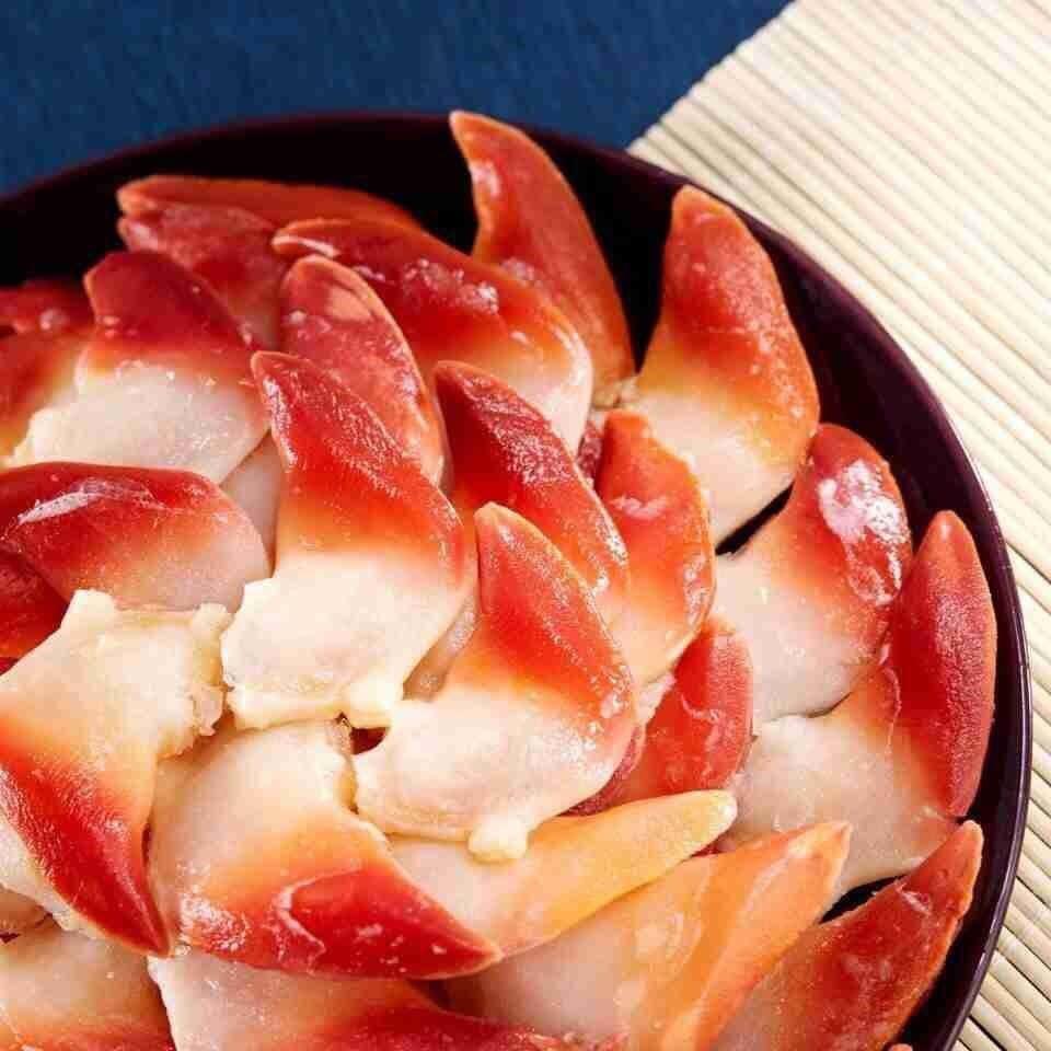 Thịt sò đỏ có vị ngọt sữa đậm đà, dai và chắc đày dinh dưỡng.