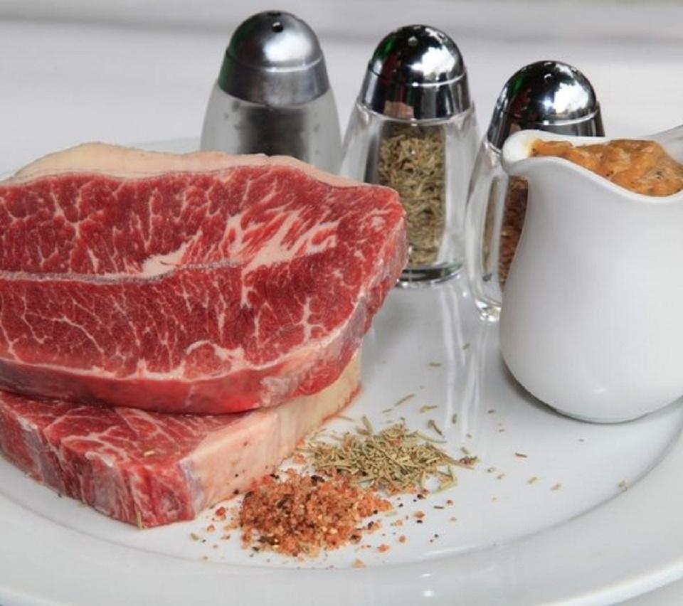 Bổ sung thịt bò Mỹ, nhất là Lõi nạc vai là vào khẩu phần ăn mỗi ngày rất tốt cho những người có thể chất yếu, người bị thiếu máu và bà bầu..